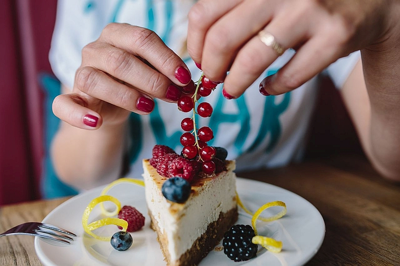 mindful-eating-dessert.jpg