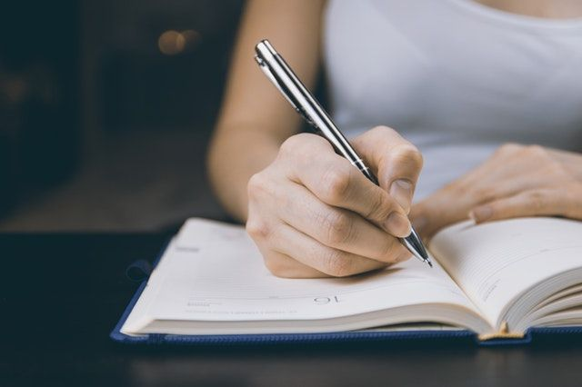 Non-fiction author's 6 must-read pieces of advice for aspiringwriters